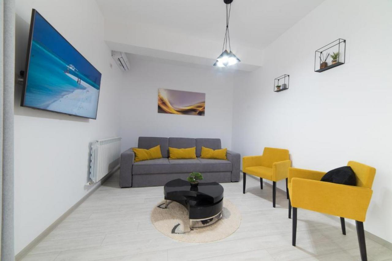 Stay Chic Apartment