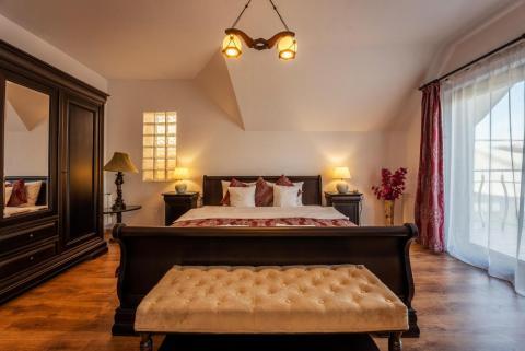 Flora Luxury House