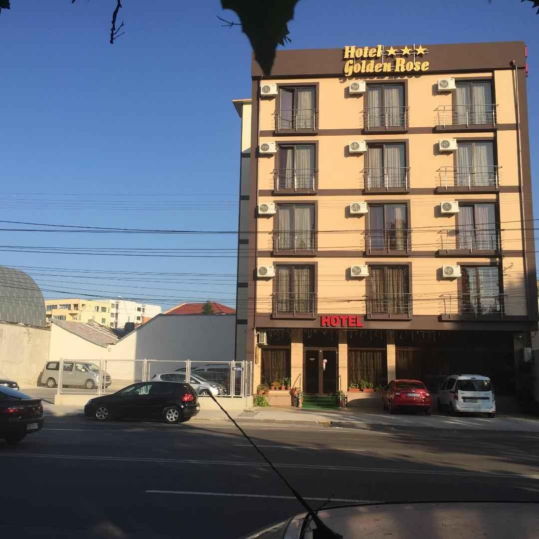 HOTEL GOLDEN ROSE<